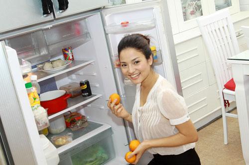 Phải làm gì khi tủ lạnh không sáng đèn?