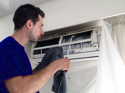 Hướng dẫn cách vệ sinh máy lạnh tại nhà