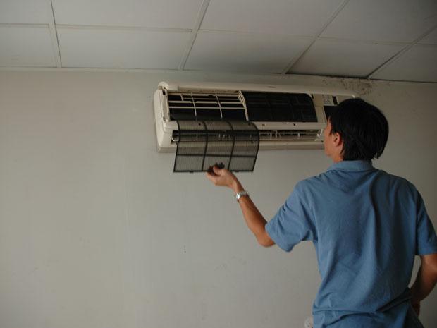 Hướng dẫn cách sửa máy lạnh Panasonic báo đèn đỏ